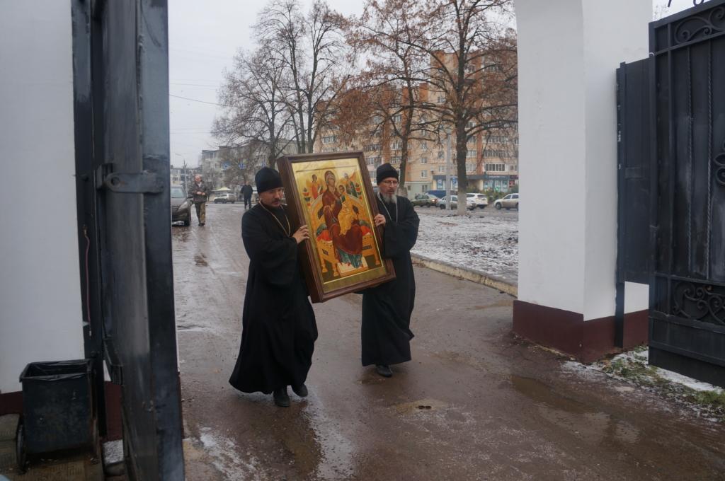 В Свято-Успенский монастырь привезен список чудотворный иконы Богородицы «Всецарица»