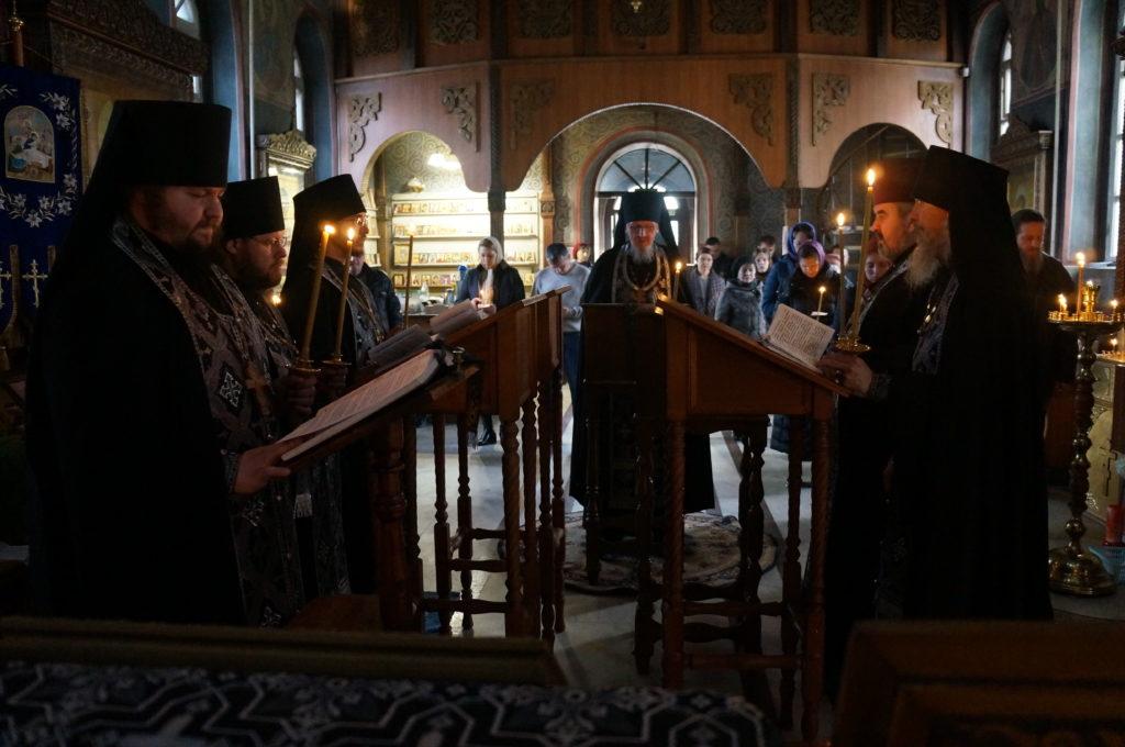 В Свято-Успенском монастыре совершена Утреня с чтением Великого канона преподобного Андрея Критского